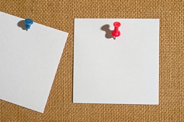 ホワイトボード・模造紙・ポストイット。会議の必携役立ちアイテム